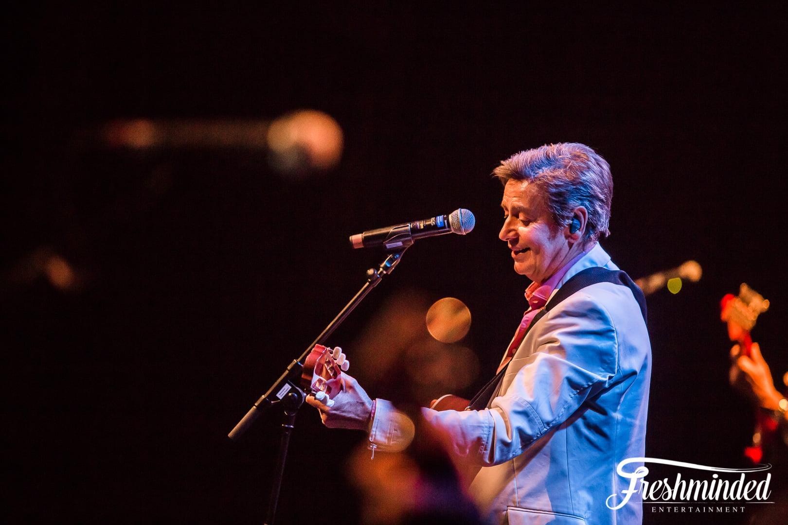 Willy Somers op zijn gitaar